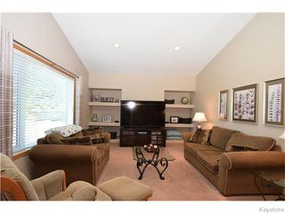 Photo 2: 50 Marseilles Close in Winnipeg: West Kildonan / Garden City Residential for sale (North West Winnipeg)  : MLS®# 1616686
