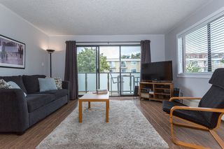 "Photo 2: 425 665 E 6TH Avenue in Vancouver: Mount Pleasant VE Condo for sale in ""MCALLISTER HOUSE"" (Vancouver East)  : MLS®# R2105246"