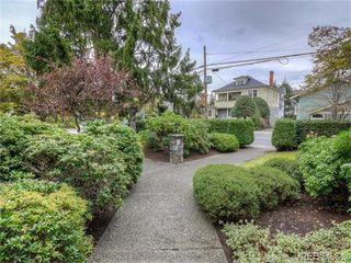 Photo 2: 2 1331 Johnson Street in VICTORIA: Vi Downtown Condo Apartment for sale (Victoria)  : MLS®# 371254