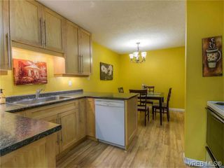 Photo 3: 2 1331 Johnson Street in VICTORIA: Vi Downtown Condo Apartment for sale (Victoria)  : MLS®# 371254