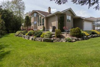 "Photo 1: 41383 DRYDEN Road in Squamish: Brackendale House for sale in ""Eagle Run"" : MLS®# R2163949"