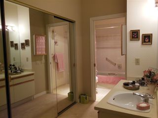 Photo 12: 401 2800 CHESTERFIELD AVENUE in North Vancouver: Upper Lonsdale Condo for sale : MLS®# R2116386