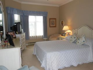Photo 10: 401 2800 CHESTERFIELD AVENUE in North Vancouver: Upper Lonsdale Condo for sale : MLS®# R2116386