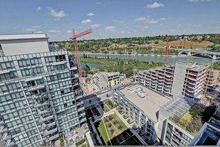 Photo 19: 1823 222 RIVERFRONT Avenue SW in Calgary: Downtown Commercial Core Condo for sale : MLS®# C4125910