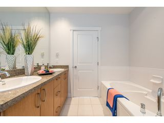 """Photo 16: PH5 9188 UNIVERSITY Crescent in Burnaby: Simon Fraser Univer. Condo for sale in """"ALTAIRE"""" (Burnaby North)  : MLS®# R2201476"""
