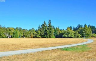 Photo 18: 1 3049 Brittany Drive in VICTORIA: Co Sun Ridge Townhouse for sale (Colwood)  : MLS®# 382861