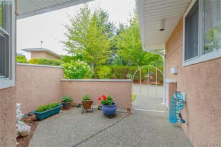 Photo 14: 1 3049 Brittany Drive in VICTORIA: Co Sun Ridge Townhouse for sale (Colwood)  : MLS®# 382861