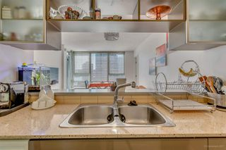 """Photo 15: 1811 928 BEATTY Street in Vancouver: Yaletown Condo for sale in """"YALETOWN"""" (Vancouver West)  : MLS®# R2210928"""