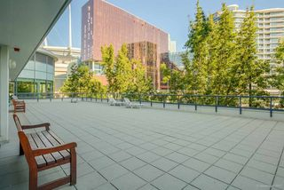 "Photo 19: 1811 928 BEATTY Street in Vancouver: Yaletown Condo for sale in ""YALETOWN"" (Vancouver West)  : MLS®# R2210928"