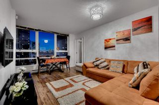 "Photo 5: 1811 928 BEATTY Street in Vancouver: Yaletown Condo for sale in ""YALETOWN"" (Vancouver West)  : MLS®# R2210928"