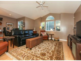 Photo 2: 3170 196TH Street in Langley: Home for sale : MLS®# F1429786