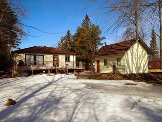 Main Photo: 9 Cedar Bay Road in Kawartha Lakes: Kirkfield Freehold for sale ()  : MLS®# X4052380