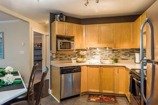 Photo 6: 5450 208 St Langley in Montgomery Gate: Home for sale : MLS®# r2216519