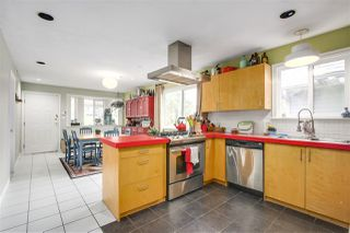 Photo 10: 1262 E 13TH Avenue in Vancouver: Mount Pleasant VE House for sale (Vancouver East)  : MLS®# R2245046