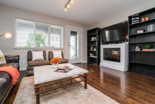"""Photo 2: 25 1268 RIVERSIDE Drive in Port Coquitlam: Riverwood Townhouse for sale in """"SOMERSTON LANE"""" : MLS®# R2246983"""