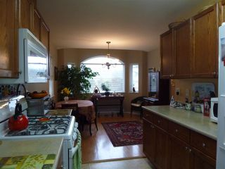 """Photo 9:  in Gibsons: Gibsons & Area House 1/2 Duplex for sale in """"GIBSONS COUNTRY VILLAGE"""" (Sunshine Coast)  : MLS®# R2254487"""