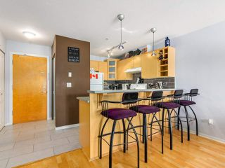 Photo 5: 410 3136 ST JOHNS Street in Port Moody: Port Moody Centre Condo for sale : MLS®# R2292011