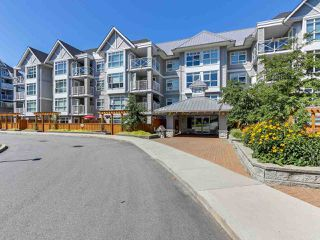 Photo 1: 410 3136 ST JOHNS Street in Port Moody: Port Moody Centre Condo for sale : MLS®# R2292011