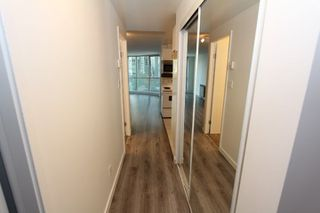 "Photo 12: 907 588 BROUGHTON Street in Vancouver: Coal Harbour Condo for sale in ""Harbour Park"" (Vancouver West)  : MLS®# R2306947"