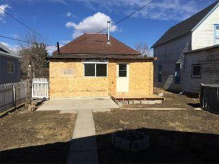 Photo 3: 119 48 Avenue: Claresholm Detached for sale : MLS®# C4214480