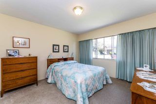 Photo 12: 8083 GRAY Avenue in Burnaby: South Slope House for sale (Burnaby South)  : MLS®# R2352305