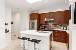 """Photo 3: 306 680 W 7TH Avenue in Vancouver: Fairview VW Condo for sale in """"Liberte"""" (Vancouver West)  : MLS®# R2457601"""