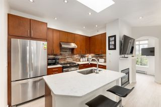 """Photo 4: 306 680 W 7TH Avenue in Vancouver: Fairview VW Condo for sale in """"Liberte"""" (Vancouver West)  : MLS®# R2457601"""
