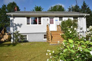 Photo 1: 1375 Bishop Avenue in Kingston: 404-Kings County Residential for sale (Annapolis Valley)  : MLS®# 202011179