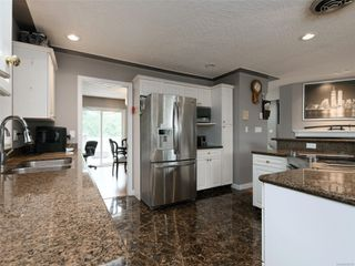 Photo 10: 1265 Dunsterville Ave in : SW Strawberry Vale House for sale (Saanich West)  : MLS®# 856258