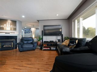 Photo 7: 1265 Dunsterville Ave in : SW Strawberry Vale House for sale (Saanich West)  : MLS®# 856258