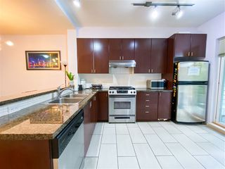 """Photo 12: 8 6878 SOUTHPOINT Drive in Burnaby: South Slope Townhouse for sale in """"CORTINA"""" (Burnaby South)  : MLS®# R2510279"""