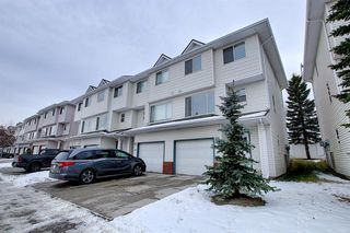 Main Photo: 49 Harvest Oak Circle NE in Calgary: Harvest Hills Row/Townhouse for sale : MLS®# A1051666