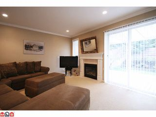 "Photo 6: 22 5811 122 Street in Surrey: Panorama Ridge Townhouse for sale in ""Lakebridge Estates"" : MLS®# F1104192"