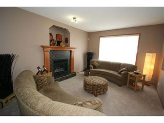 Photo 7: 107 CRESTMONT Drive SW in : Crestmont Residential Detached Single Family for sale (Calgary)  : MLS®# C3471222