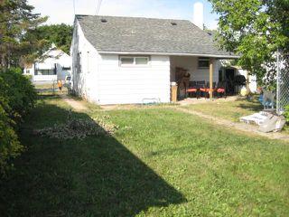 Photo 2: 598 Martin Avenue East in WINNIPEG: East Kildonan Residential for sale (North East Winnipeg)  : MLS®# 1116501