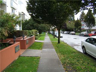 "Photo 2: PH6 5788 VINE Street in Vancouver: Kerrisdale Condo for sale in ""KERRISDALE"" (Vancouver West)  : MLS®# V915130"