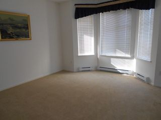 "Photo 11: 20 6488 168TH Street in Surrey: Cloverdale BC Townhouse for sale in ""TURNBERRY"" (Cloverdale)  : MLS®# F1403317"