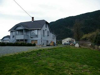 Main Photo: 2351 BODNAR Road: Agassiz House for sale : MLS®# H1401056