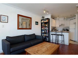 """Photo 4: 304 2025 STEPHENS Street in Vancouver: Kitsilano Condo for sale in """"STEPHEN'S COURT"""" (Vancouver West)  : MLS®# V1069084"""