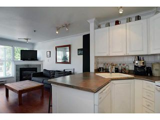 """Photo 9: 304 2025 STEPHENS Street in Vancouver: Kitsilano Condo for sale in """"STEPHEN'S COURT"""" (Vancouver West)  : MLS®# V1069084"""
