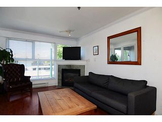 """Photo 2: 304 2025 STEPHENS Street in Vancouver: Kitsilano Condo for sale in """"STEPHEN'S COURT"""" (Vancouver West)  : MLS®# V1069084"""