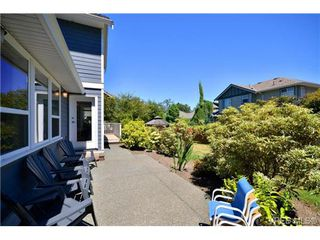 Photo 18: VICTORIA REAL ESTATE = HIGH QUADRA HOME For Sale Sold With Ann Watley