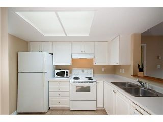 Photo 7: 304 220 NEWPORT Drive in Port Moody: North Shore Pt Moody Condo for sale : MLS®# V1089971