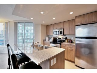 """Photo 12: 808 1212 HOWE Street in Vancouver: Downtown VW Condo for sale in """"1212 HOWE"""" (Vancouver West)  : MLS®# V1103940"""