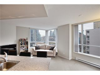"""Photo 13: 808 1212 HOWE Street in Vancouver: Downtown VW Condo for sale in """"1212 HOWE"""" (Vancouver West)  : MLS®# V1103940"""
