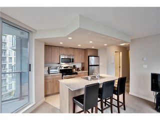 """Photo 6: 808 1212 HOWE Street in Vancouver: Downtown VW Condo for sale in """"1212 HOWE"""" (Vancouver West)  : MLS®# V1103940"""
