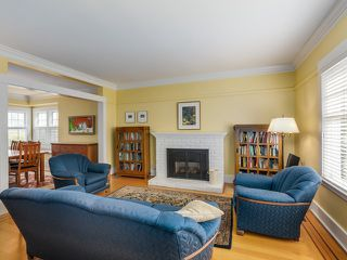 "Photo 2: 3887 W 15TH Avenue in Vancouver: Point Grey House for sale in ""Point Grey"" (Vancouver West)  : MLS®# V1110681"
