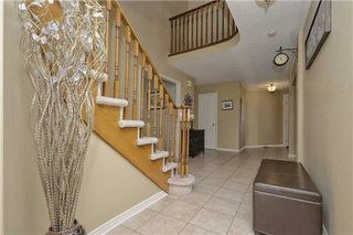 Photo 7: 25 Gartshore Drive in Whitby: Williamsburg House (2-Storey) for sale : MLS®# E3150320