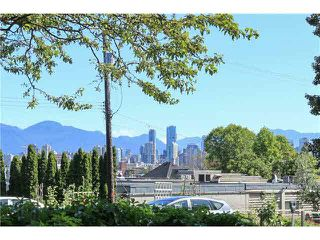 "Photo 2: A4 1870 W 6TH Avenue in Vancouver: Kitsilano Condo for sale in ""HERITAGE ON CYPRESS"" (Vancouver West)  : MLS®# V1128964"