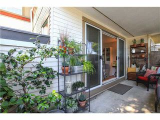 "Photo 3: A4 1870 W 6TH Avenue in Vancouver: Kitsilano Condo for sale in ""HERITAGE ON CYPRESS"" (Vancouver West)  : MLS®# V1128964"